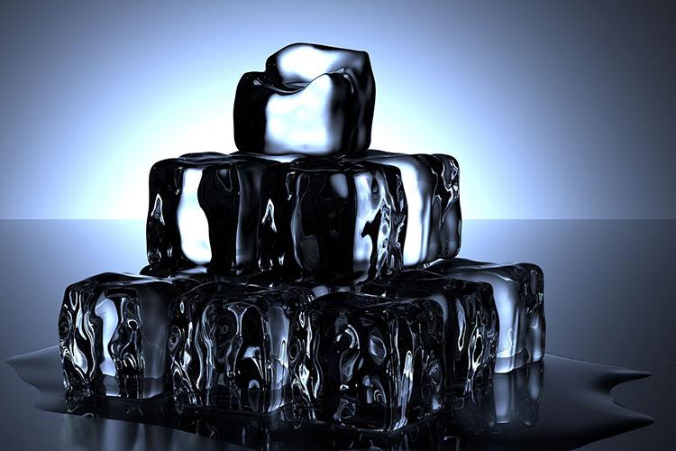 Symbolische Kältetechnik: Eiswürfel-Pyramide